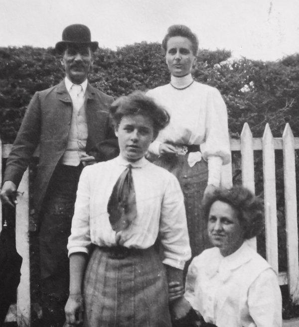 1907?MaryCarrieNancy.jpeg