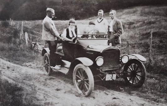 1917 CaronRoadBobJoanCoraMaurySid.jpg