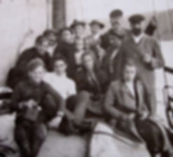 1903 BigGrouponBoat.jpg