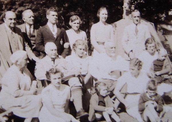 1938 RhodesGroup.jpg