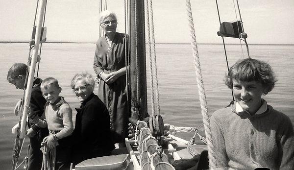 1957 CarrieBillykids.jpg