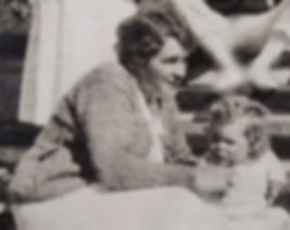 1920 Gertrude&Jean.jpg