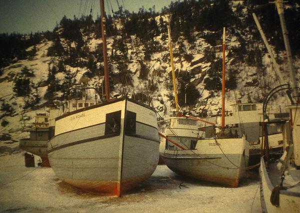 V1965 Drydock2.jpg