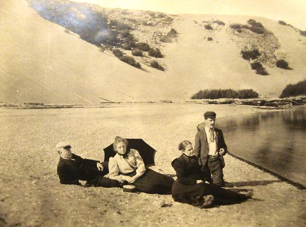 1910_Beach.jpg