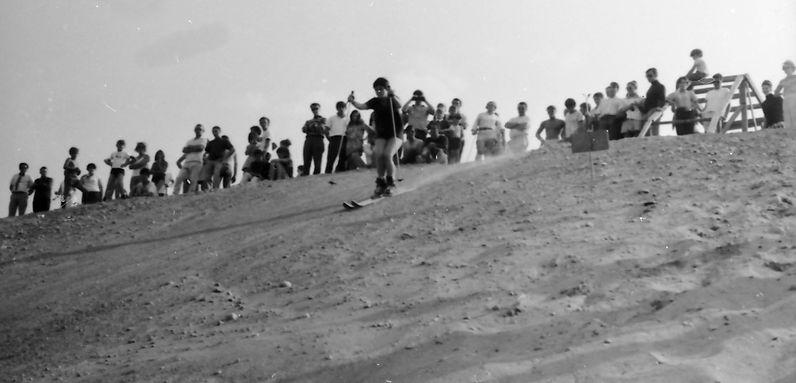 1969 DunesSkiing3.jpg