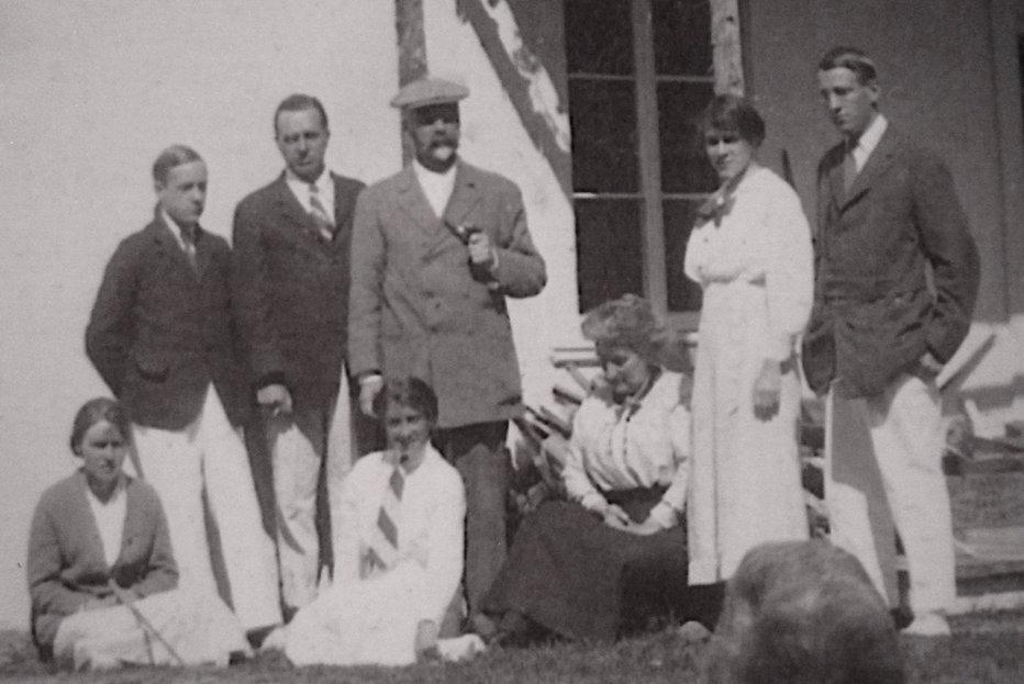 1914   MarySidJimEvelynLenNanGertBob (1)