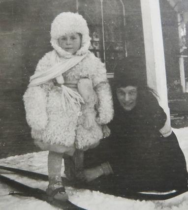 1905 MonicaGert.jpg