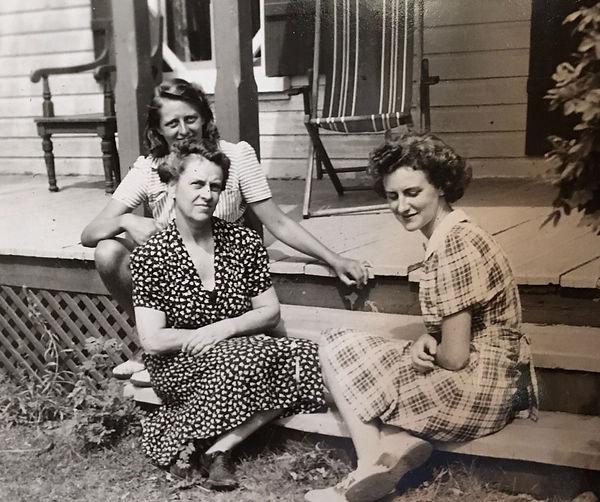 1945 DorshPhoAin.jpg