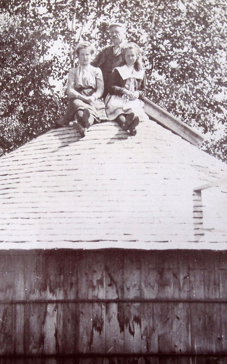 1906_ CathWhoWho__.jpg