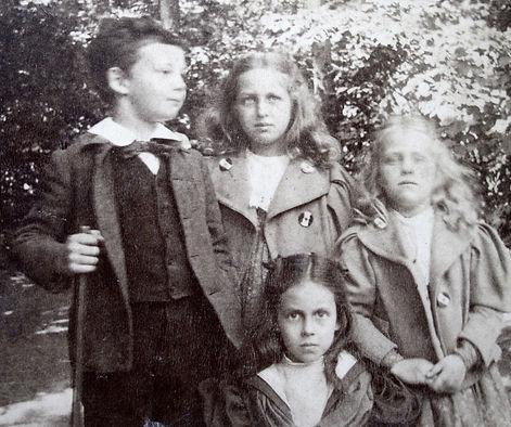 1899 CharNancyDoroBilly.jpg
