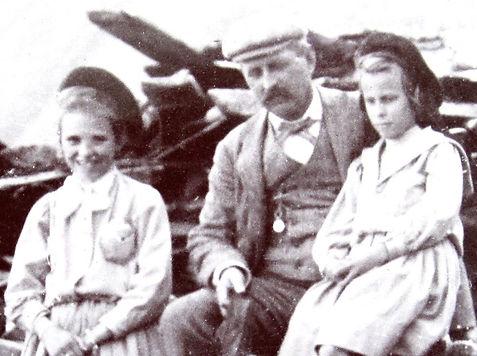 1900  LilyFrancesDad.jpg