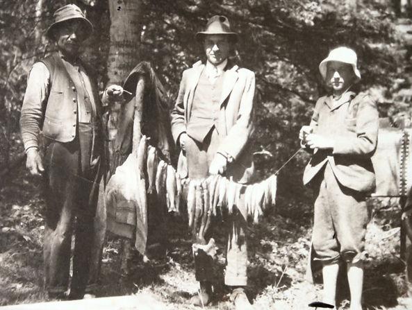 1913 DonatJimmySidFish.jpg