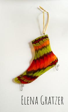 Socke aus Glas - geeignet als Wanddekoration oder zum Aufhängen im Freien für Futterkugeln für Vögel