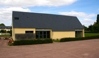 """""""Salle des fêtes"""", le soulagement du mot """"fin""""."""