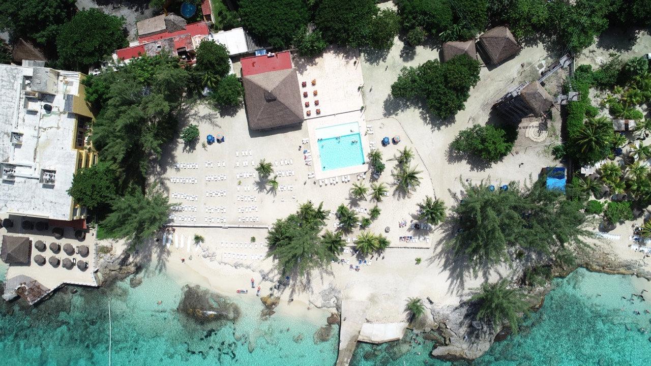 Beach Escape - Club Entrance