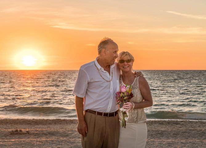 beach-wedding-1934566_1920.jpg