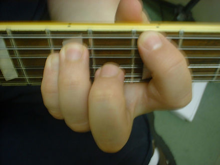 This is the powe chord for the electric guitar. I teach this in nearly every guitar lesson.