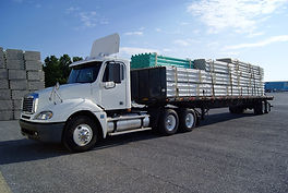 Flatbed-truck-pipes-1.jpg