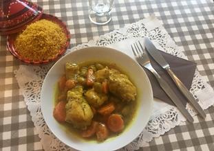 Tajine de poulet au citron confit & olives vertes