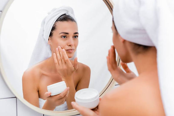 Pandemic skin effects, pandemic skin problems, pandemic skincare routine, pandemic skin care tips, skin care during quarantine, quarantine skin affects
