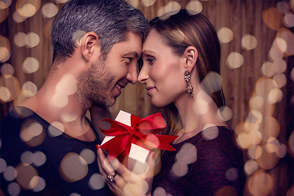 couple on valentine's day, valentine's day aesthetics treatment, valentine's day skin care, anti-aging treatment, treatments to look younger,  valentine's day med spa treatment, valentine's day cosmetic treatments