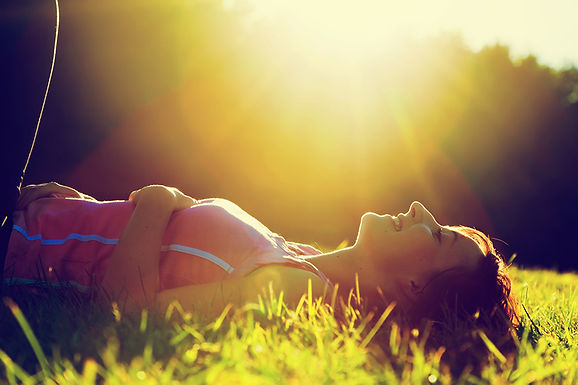 woman in sun, boost your immune system, fight viruses, make immune system healthier, bolster immune system, delay aging, healthy lifestyle