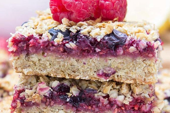 Berry Banana Breakfast Oat Bars, best fat burning recipes, food to lose weight, healthy recipes, slim eating, fat burning food, recipes to lose weight