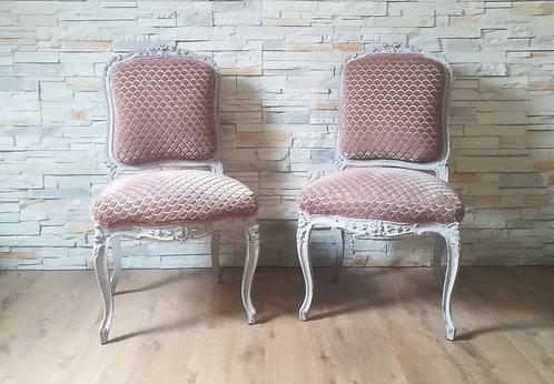 Duo de chaises capitonnées