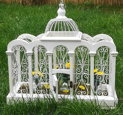 Cage ancienne sur pied