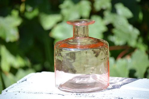 vase bouteille rose pâle