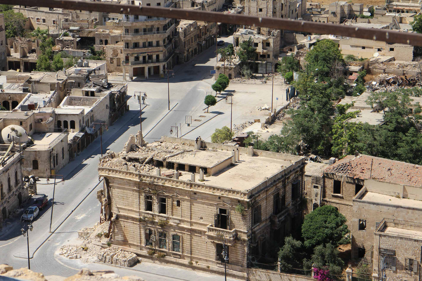 Ruined_city_in_Syria.jpg