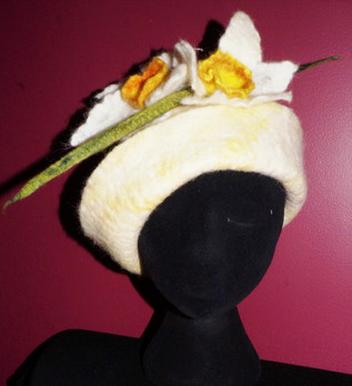 prine-18-yellow daffodil hat.jpg