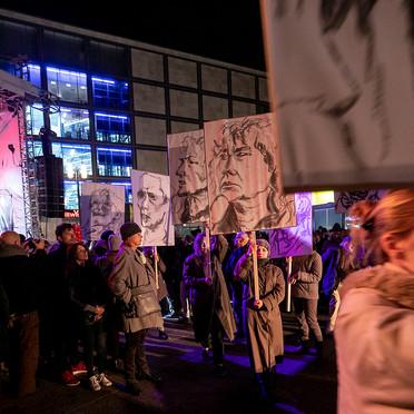 0411revolution175roh.jpg