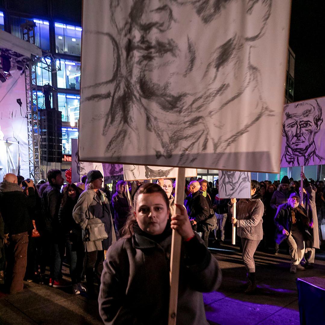 0411revolution173roh.jpg