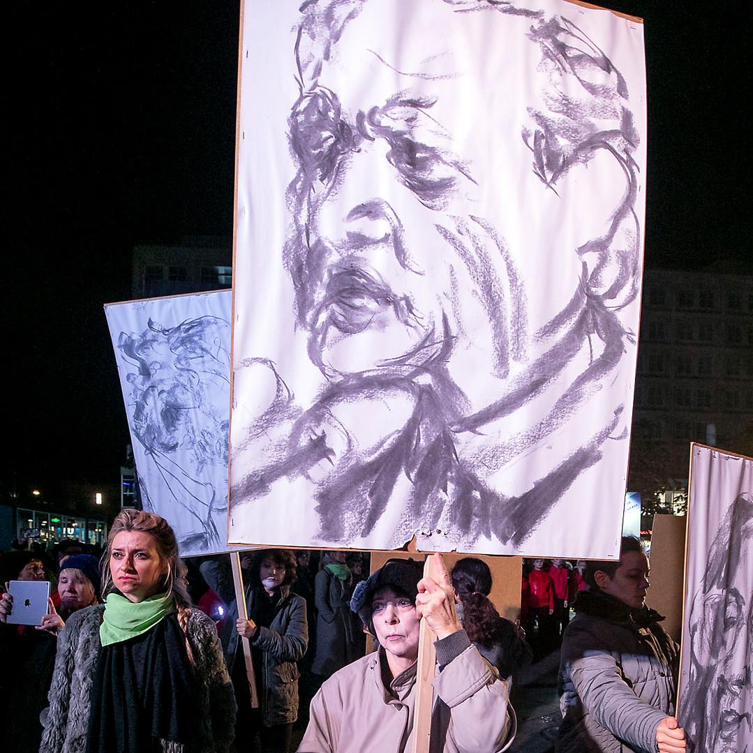 0411revolution219roh.jpg