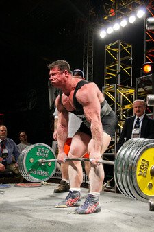 Pulling a big deadlift at the 2007 Arnold Classic for the WPO World Championships.