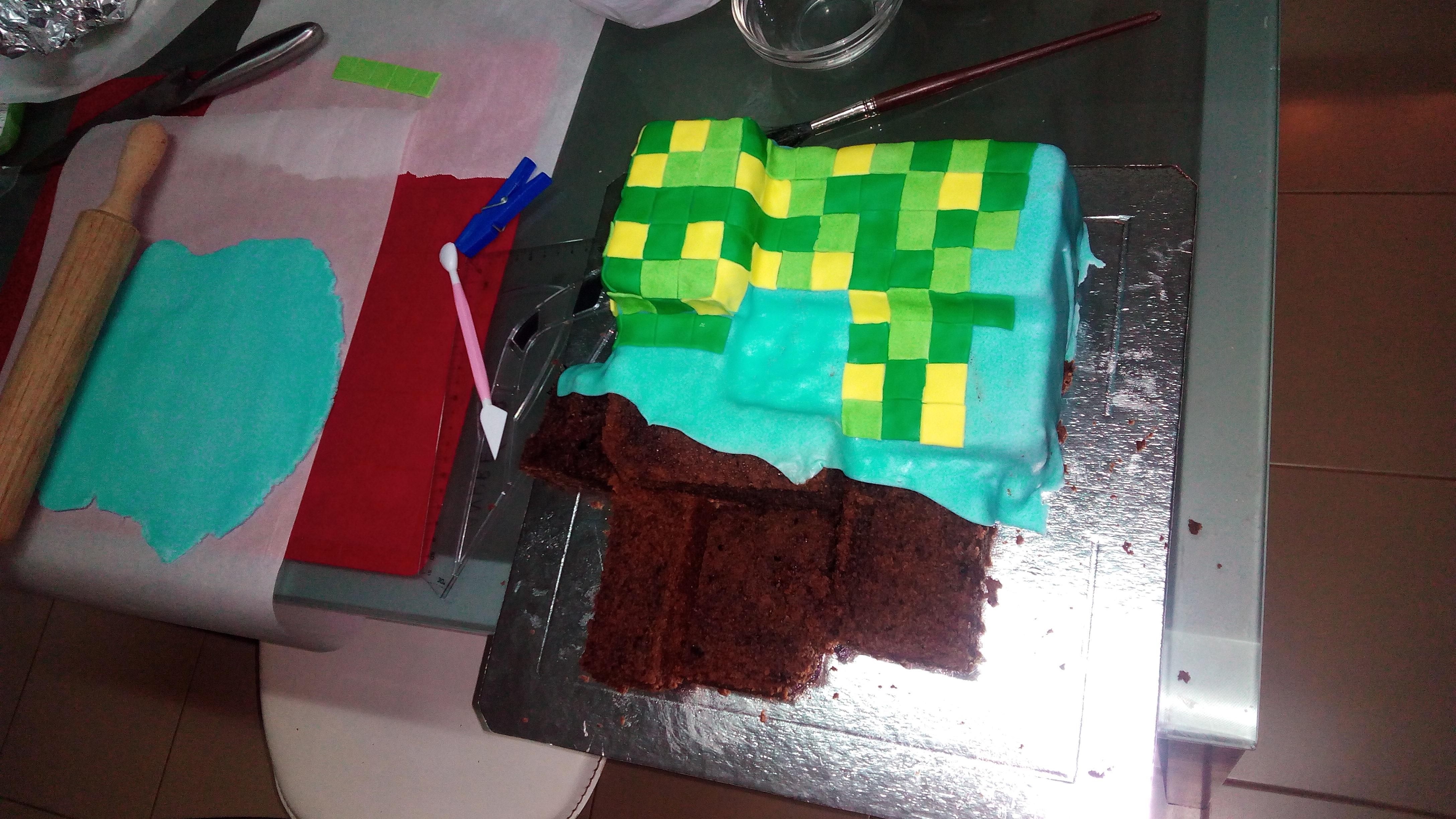 A criar o bolo Minecraft