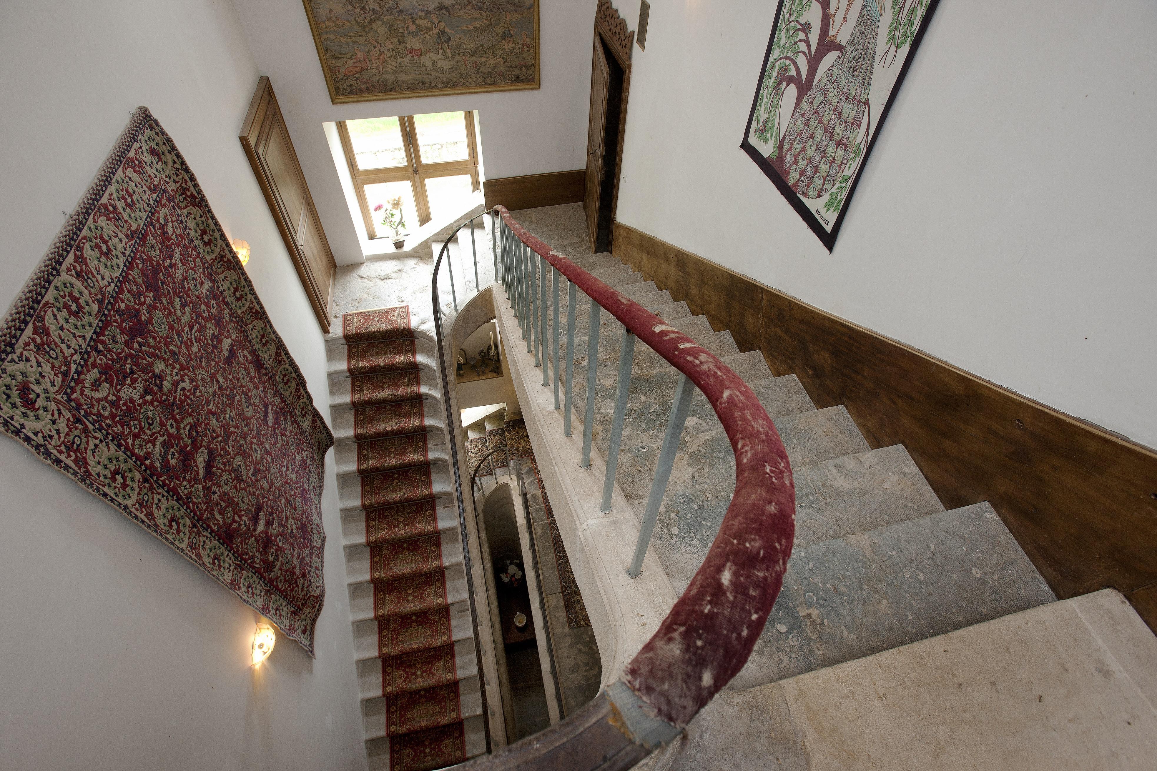 Escalier intérieur, Château de Flée