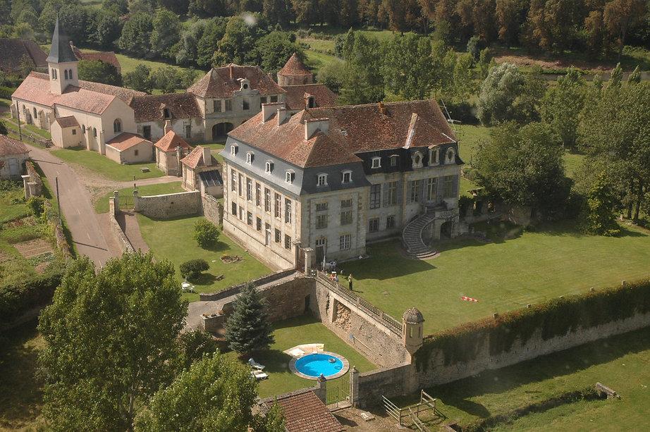 Vue aérienne du Château de Flée