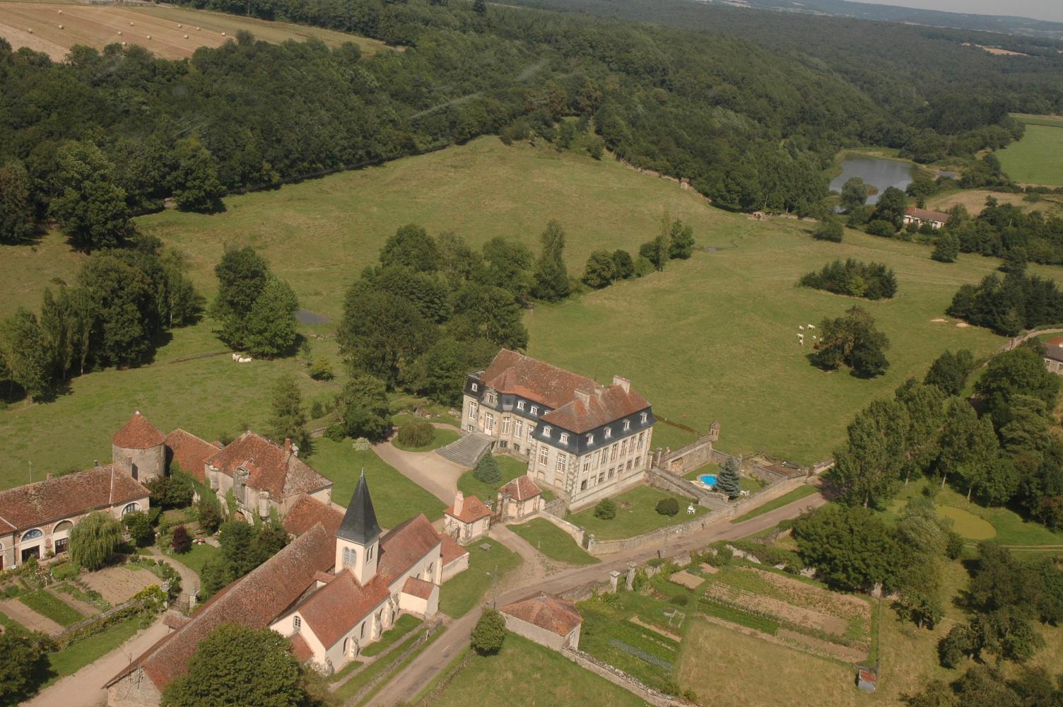 Vue aérienne château et parc