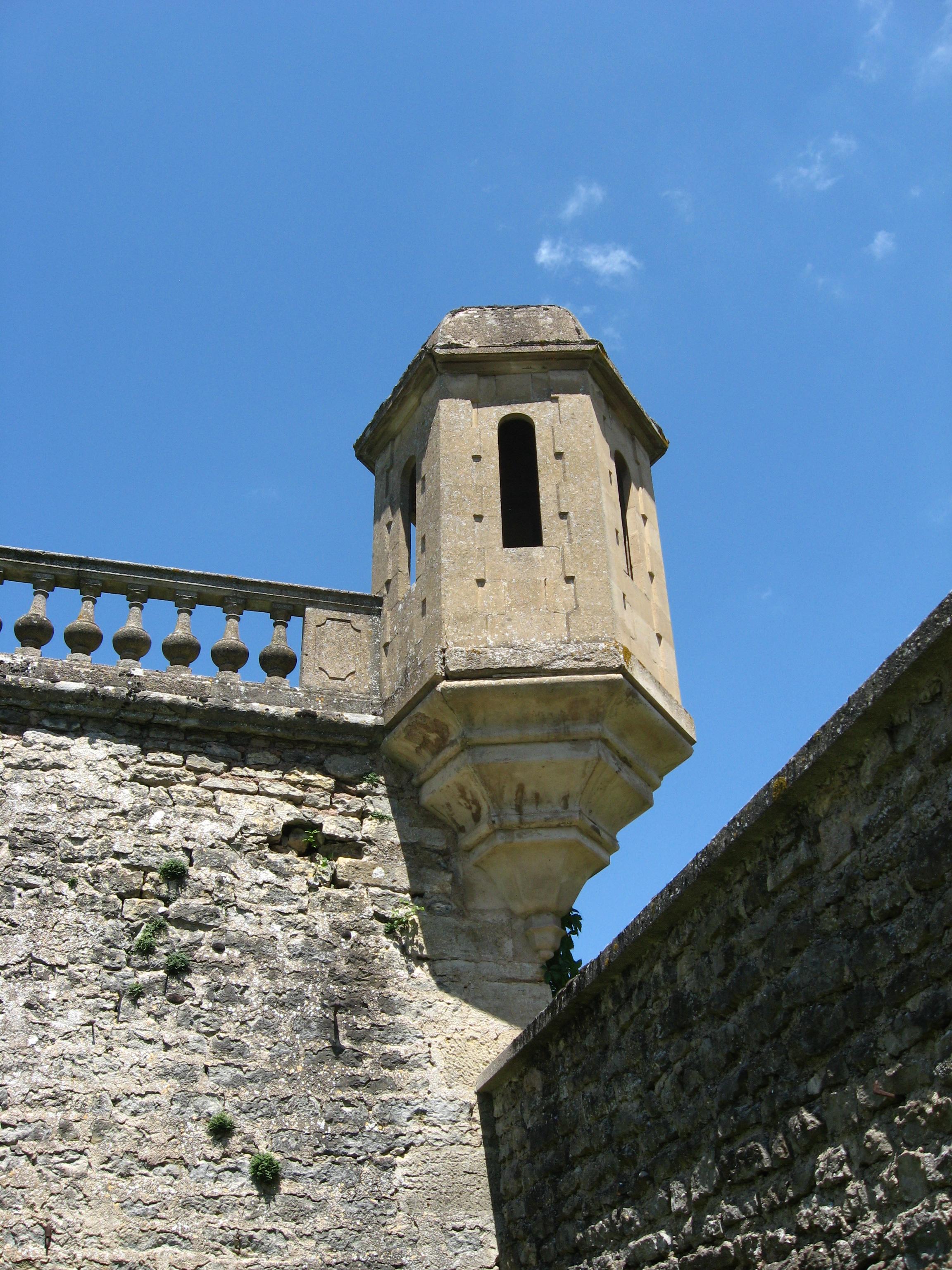 Tourelle d'angle, Château de Flée
