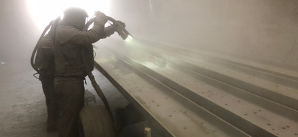 Blaster sand blasting rails