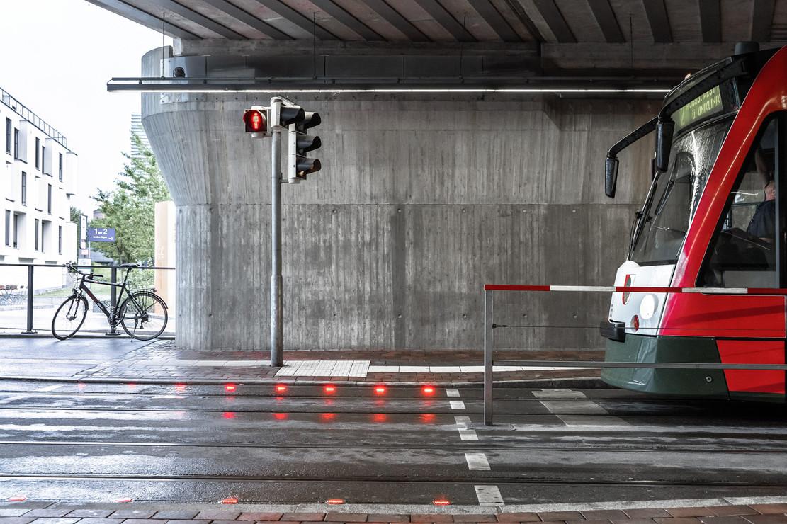 Smartphone traffic light, Haunstetter Strasse, Augsburg, 2019