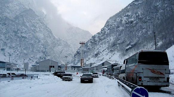 КПП Верхний Ларс Зимой.jpg