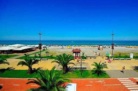 Батуми пляж берег.jpg