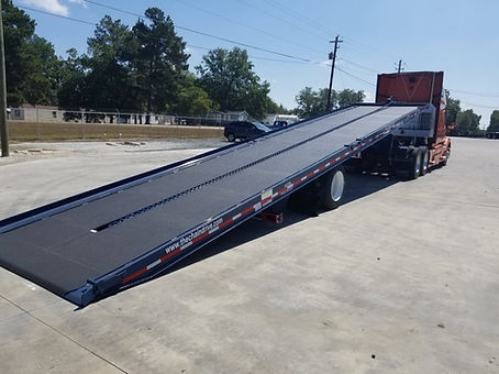 Straight deck container delivery trailer for high cubes