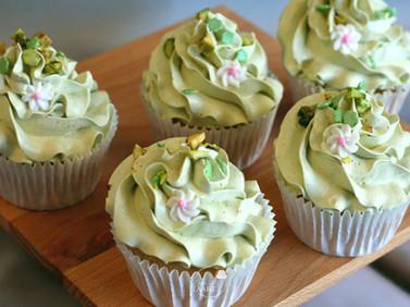 Vegan pistache cupcakes