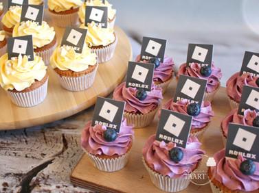 Vanille cupcakes met vulling