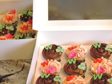 W cupcakes