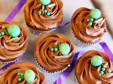 3 dubbele chocolade cupcakes